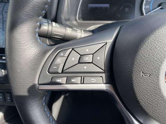 ステアリングリモコンで運転中も安全に機能が利用できます。