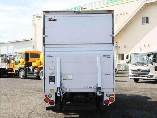 【車両総重量】6285kg  【最大積載量】2700kg  【対応免許】準中型  【車検】R3年10月5日まで