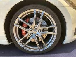 20インチ・MCホイール タイヤプレッシャーモニターが標準装備されています
