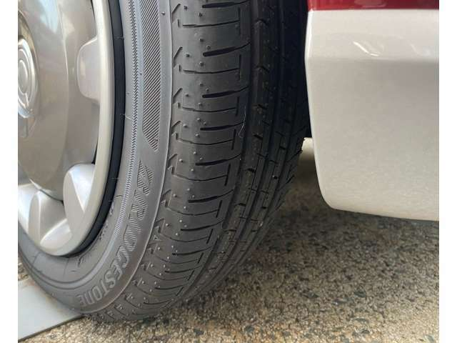 タイヤの目もバッチリ残っています。