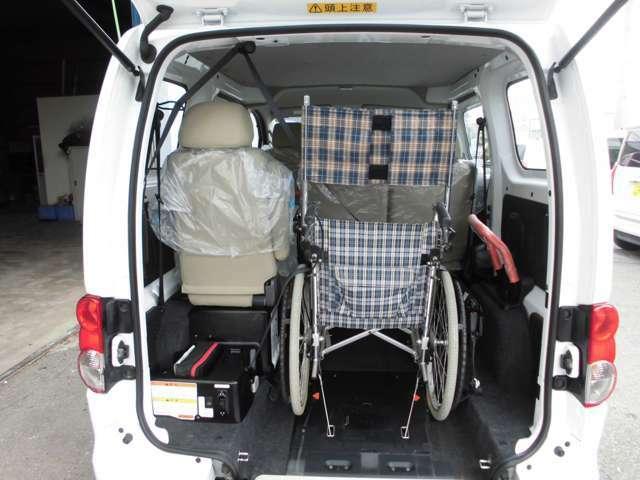 天井が高いので、車いす利用者も頭上に余裕があります。