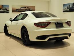 GranTurismo Sport 460馬力(カタログ値)純正P総額:902,056円 MCカーボンインテリア・20インチMCマットグラファイトリムホイール・カラードシートバックレスト