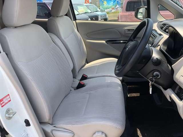車内洗浄は無害の薬品にて清掃実施しております、シートクリーニング、シミ取りもお任せ下さい!