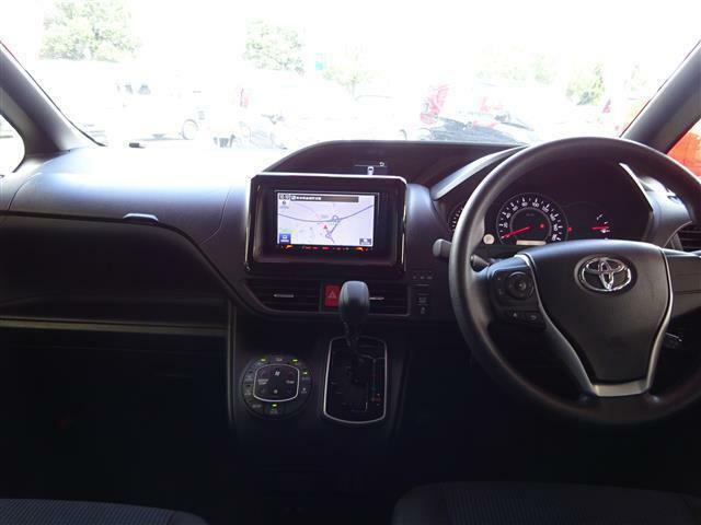 統一感のある、内装です。運転席からの視界も良く安全運転できます。