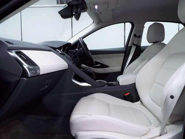 E-PACEの特徴が、室内に確保された充実の収納スペース。10way可動式レザーシート(63,000円)ホールド感もあり、長時間座っても疲れにくいシートです。