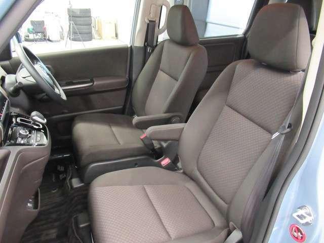 当店の車は全台、保障付きで購入後も安心です。保証期間中は全国のホンダディーラーで保障修理を受け付けております。