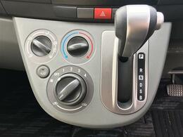 CDオーディオ/ドアバイザー/ウィンカーミラー/電動格納ドアミラー/純正フロアマット/スマートキー