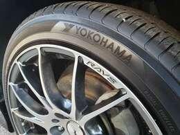 タイヤの溝もまだたくさんあります
