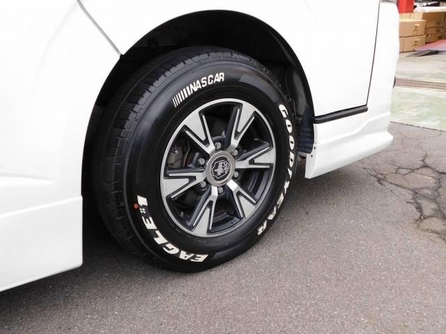 タイヤはグッドイヤーのホワイトレタータイヤを装着!