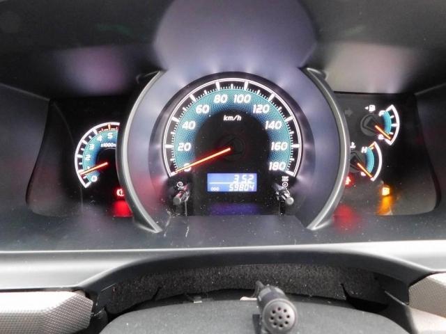 発色の良いオプティトロンメーター!必要な情報がサッと目に入ります!走行距離もまだまだこれからの6万キロ♪