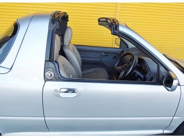 軽自動車でスーパーチャージャーでタルガトップ、スポーツ気分を思う存分味わえますね。