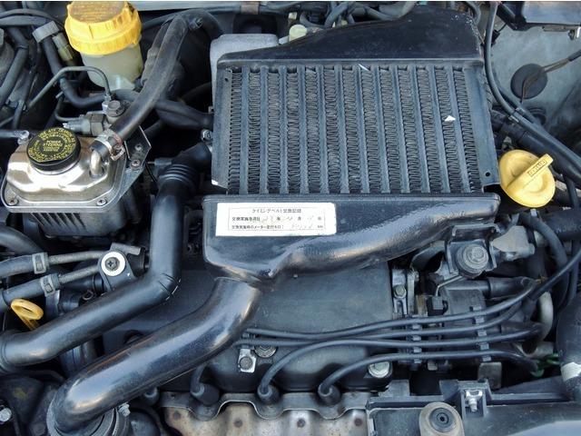 今回そのタルガトップボディに、直列4気筒SOHC16バルブスーパーチャージャーを搭載した「GX-T」をラインアップ。