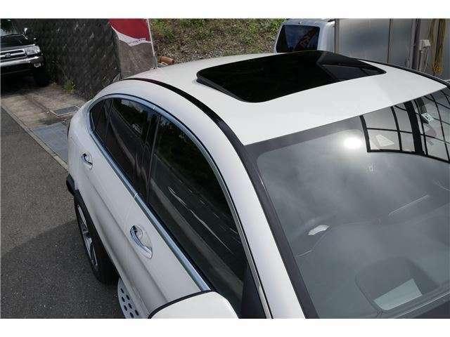 まとまりのあるインパネ、視界もよく運転しやすいと好評です。高いシートポジションは疲れにくいと知っていましたか??お電話でのお問い合わせは、0774-39-4585まで!