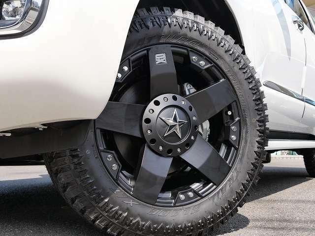 ★ホイールを20Inchロックスター&タイヤも最新の「XT]タイヤを装着しておりインパクト大のセコイアになりました!!