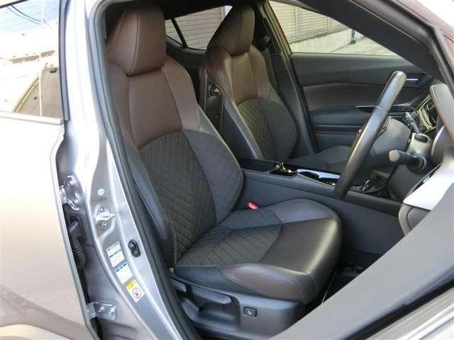 大柄な方にも対応した座り心地のいいシ-トと広い室内で快適なドライブをお楽しみいただけます。