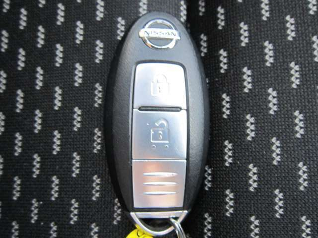 ★インテリジェントキー付きですので、ドアの施錠が楽々です。