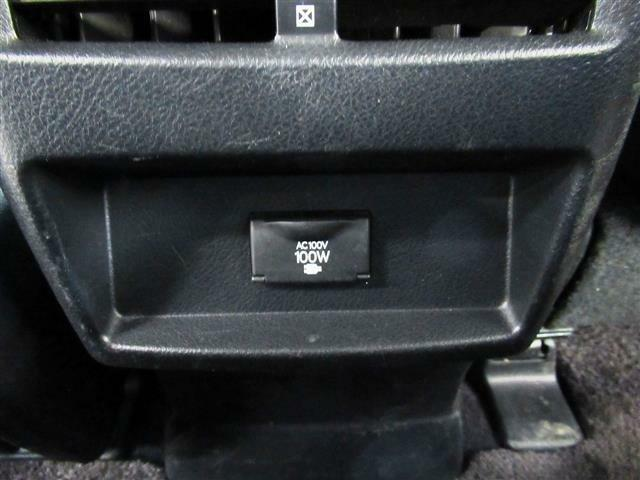 後期型・本革シート・シートエアコン・オートクルーズ・B&Sカメラ・BTオーディオ・DTV・メモリー付パワーシート・HUD・ステアヒーター・ウッドコンビH・社外20AW・電動ハッチバック・LEDライト
