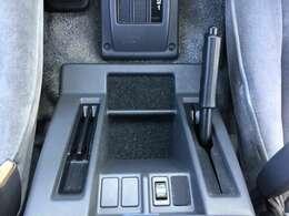 ガリバーグループの在庫車をドルフィネットシステムで店内のPCでご紹介も致します。日本全国どこにあるクルマでも当店でお手続き、ご納車ができます。お気に入りでピッタリのクルマがきっと見つかります!!