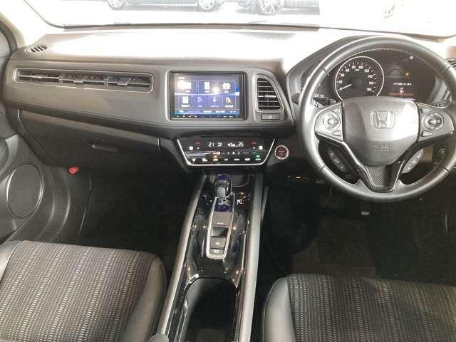 後部座席も当然、綺麗・清潔に仕上げております。内装の綺麗なお車は気持ちが良いですし、コンディションのいい車が多いです!
