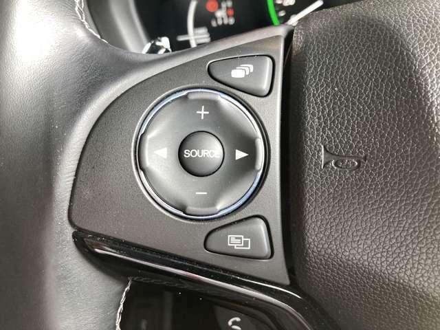 操作性、機能性に優れた運転席まわりです!視界も広く運転しやすいですよ!