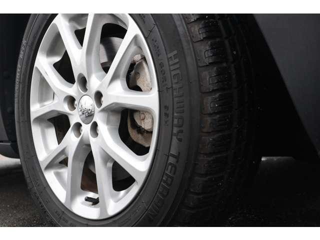 タイヤの残り溝も5~6割程度残っています!