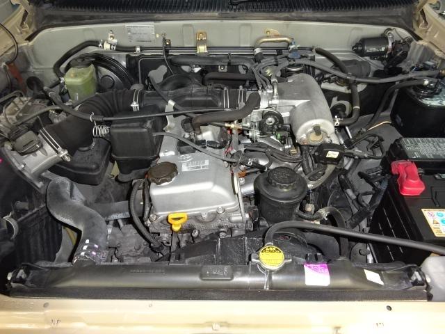 耐久性の高い2700ccのガソリンエンジンです。