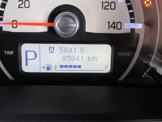 走行距離数は少し多めですが、まだまだ元気に走ります!(1年から3年まで、期間が選べるロングラン保証で購入後も安心してお乗り頂けます)