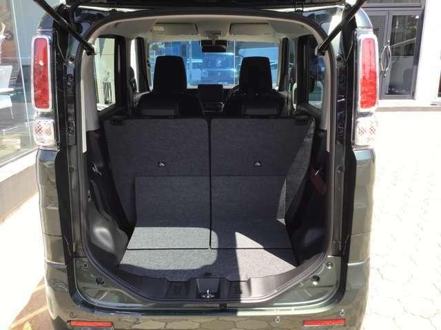 低床&大開口で積み下ろしがしやすい荷室開口部。