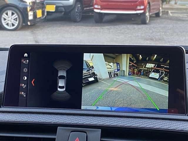 駐車時に後方がリアルタイム映像で確認できます。狭い場所の駐車時にもサポートをしてくれるので便利です。