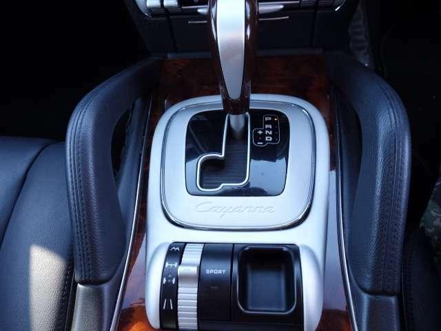 カーセンサーアフター保証・クイックモーション保証は1年~3プラン選べる保証★使用頻度にあわせてお選びいただけます 無料レッカー・全国どこでもで修理可能 ガス欠、バッテリー上がり、タイヤ交換等ついてます