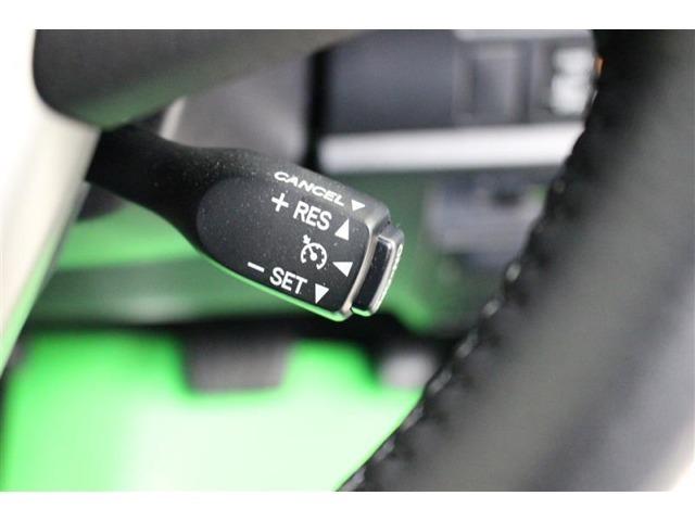 クルーズコントロール付きでロングドライブも快適です。