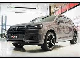 専用ボディカラーやカーボン&ブラックスタイルパッケージなど特別装備満載です!