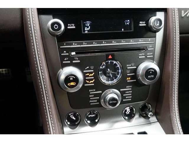 出力アップ、エクステリア/インテリアデザインなど、数々の変更が行われた2012年9月以降のマイナーチェンジ後のお車となります!! お気軽にお問合せ下さい→03(5432)7666