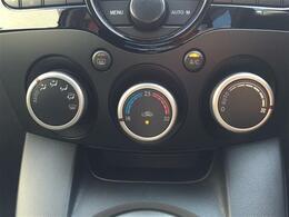 【オートエアコン】車内温度を感知して自動で温度調整をしてくれるのでいつでも快適な車内空間をつくりあげます!