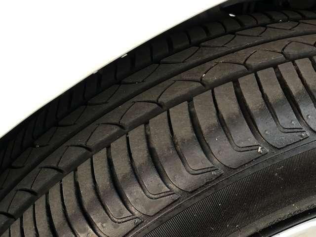 タイヤ溝もまだまだあります!お問い合わせ・ご来店を心よりお待ちしております。
