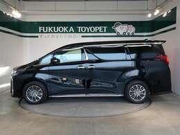 トヨタの最上級ミニバン、アルファードHV エグゼクティブラウンジSが入荷しました。豪華装備です。