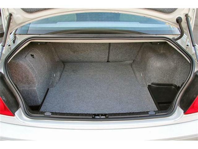 このボディサイズでこのスペース!十分なほどに荷物が詰め込めます!