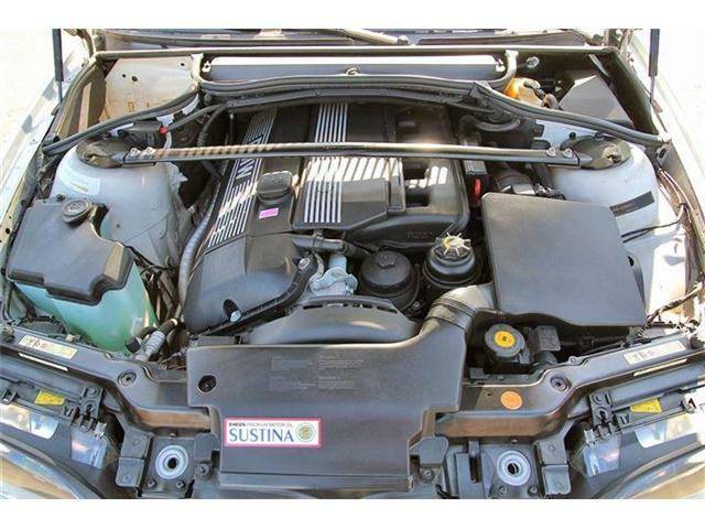 直列6気筒DOHC24バルブエンジン搭載!細かい所までしっかりとチェックをしてからお渡しさせて頂きます!