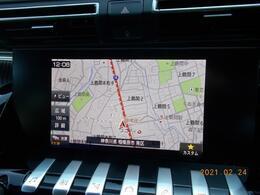 8インチタッチスクリーン エアコン操作機能マルチメディア再生機能ハンズフリー通話機能ドライビングアシスト設定機能ナビゲーション機能などの情報表示と操作系が集約されています。