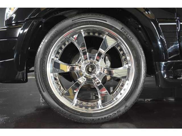 ロデオドライブ 22インチ メッキAW☆ タイヤサイズは305-40-22です☆ タイヤ溝も残っています☆ 28インチ対応タイヤチェンジャー&バランサー完備☆ 大口径アルミの組替や脱着もお任せ下さい☆