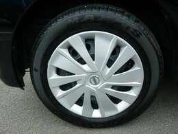 タイヤサイズ155/65R14です!フロントタイヤ残り溝6mm!リアタイヤ残り溝5mm!走行20000km位可能です!