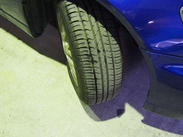 タイヤ溝張り溝です!!