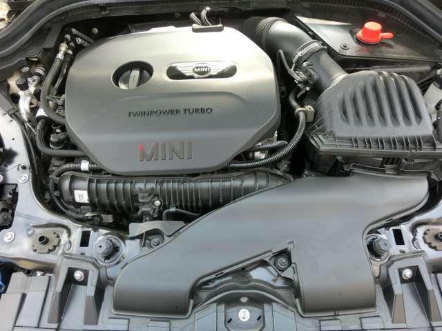 192ps 280N 燃費JOC8モード 16.5km/L (カタログ値) 4気筒ツインパワーターボ 1250rpm低回転より最大トルクを発生し、4600rpmまでフラットなトルクをしています。
