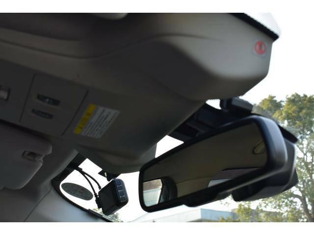 運転支援システムアイサイトバージョン3搭載車です。