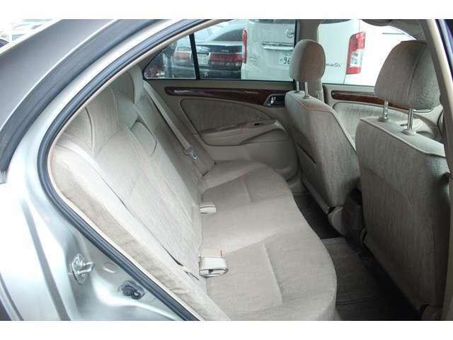 セカンドシートも広く快適なドライブが楽しめます!
