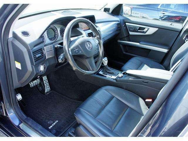 レザーシートのコンディションも良く、操作性のいい運転席です!