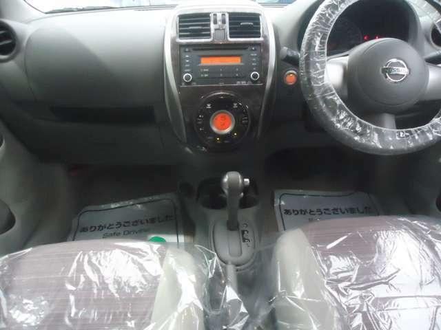 運転席 助手席にエアバッグが装備されたデュアルエアバッグ車輌です。乗員の安全もバッチリですね。あわせてシートベルトもお願いします