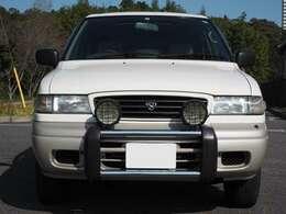 フォードのOEMかなんかかな?と会場で見かけたときおもいました。だって販売当時は僕もまだ小学3年生だったもの