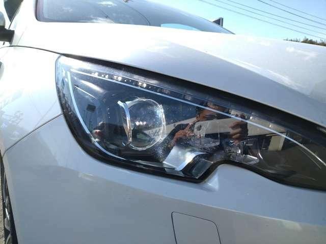 LEDヘッドライトなので明るさもあり安心したドライブがお楽しみ頂けます。