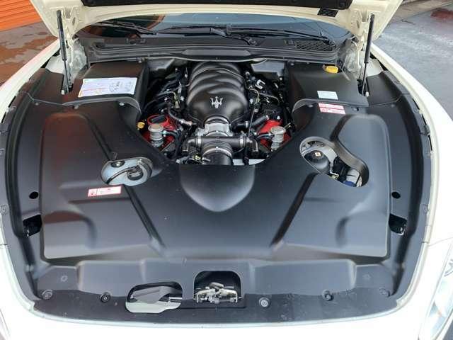 V型8気筒DOHCマセラティエンジン!フェラーリ社製F430用エンジンヘッドを使用しています!マセラティパワー440馬力(カタログ値)最大トルク520Nm(カタログ値)!